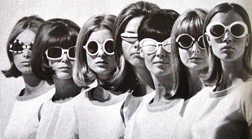 tumblr_static_1960s-60s-fashion-glasses-mod-models-favim.jpeg